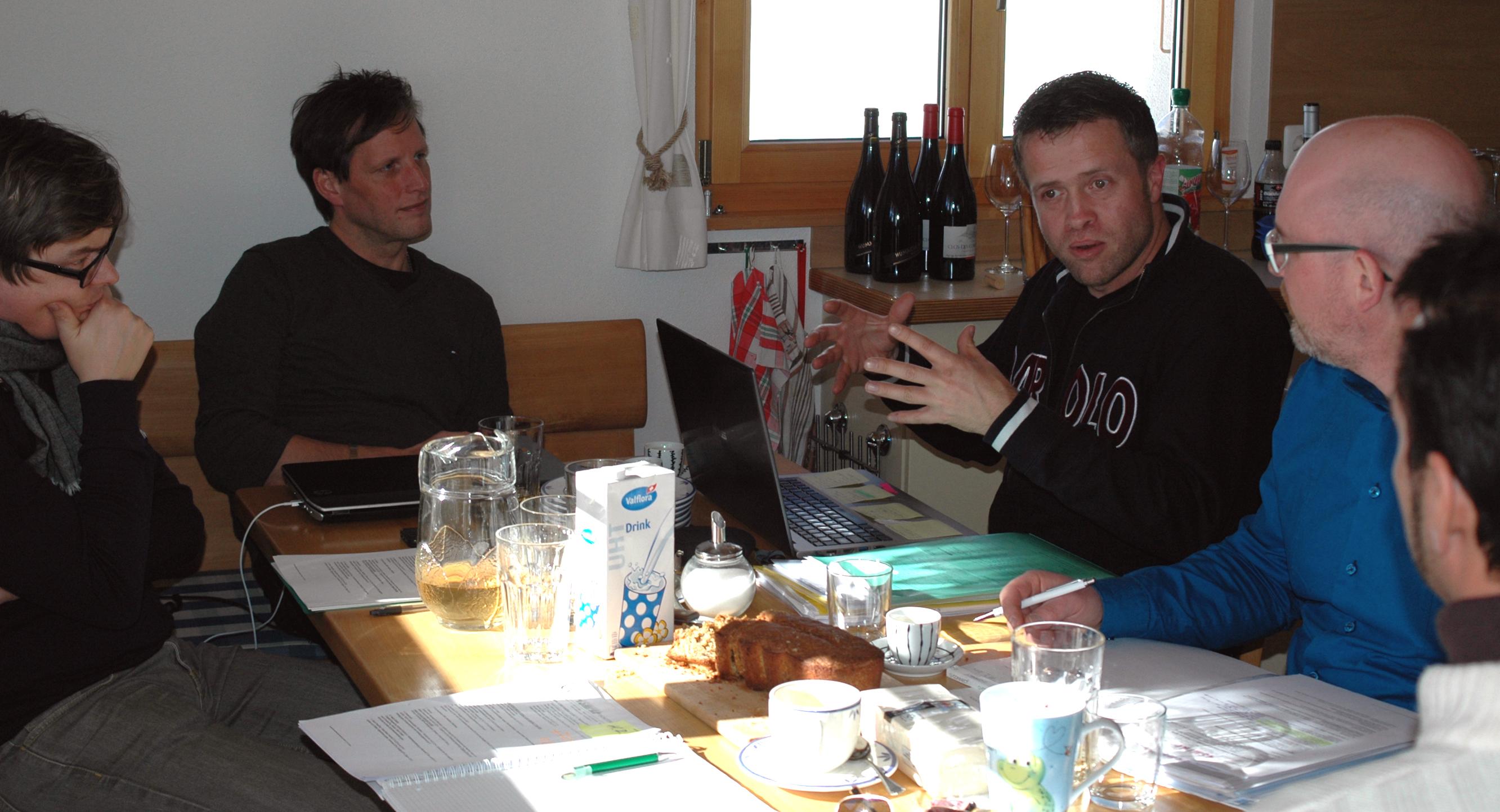 Vorstand SMPA am Diskutieren
